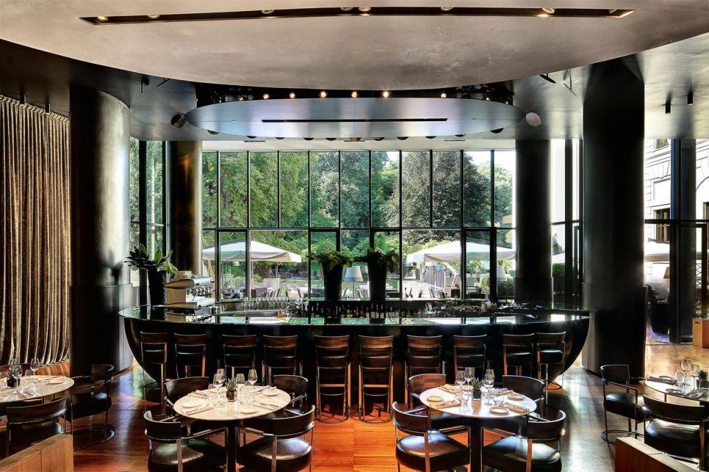 bar de l'hôtel de luxe bvlgari