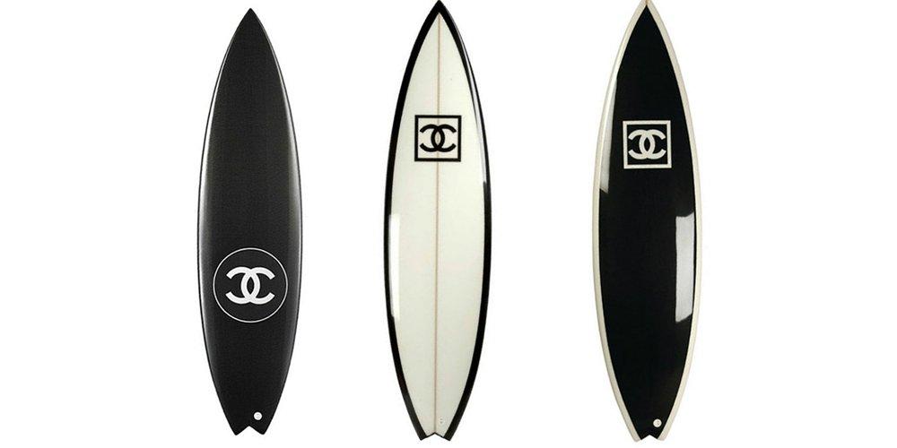 Planche de surf chanel noir et blanche