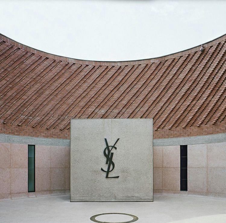 Entrée Fondation Yves Saint Laurent