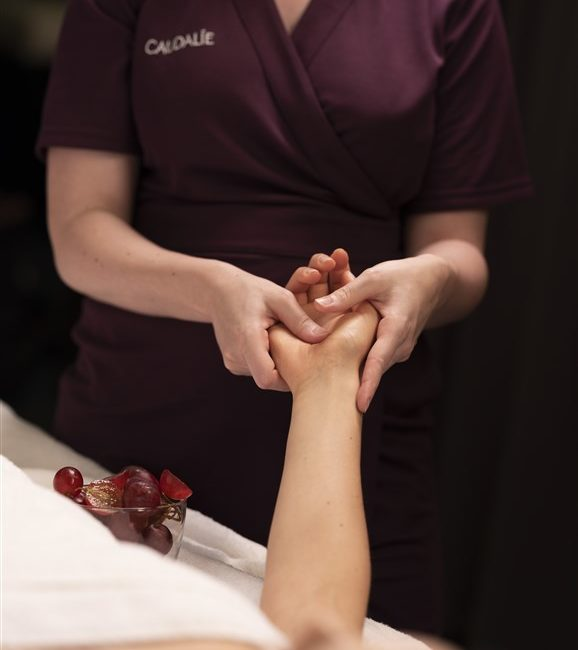 Les sources de caudale spa de luxe bordeaux massage piscine hand facial