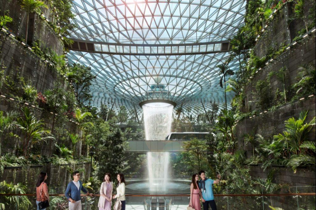 Fontaine et parc tropical aéroport Jewel Changi - Minute Luxe