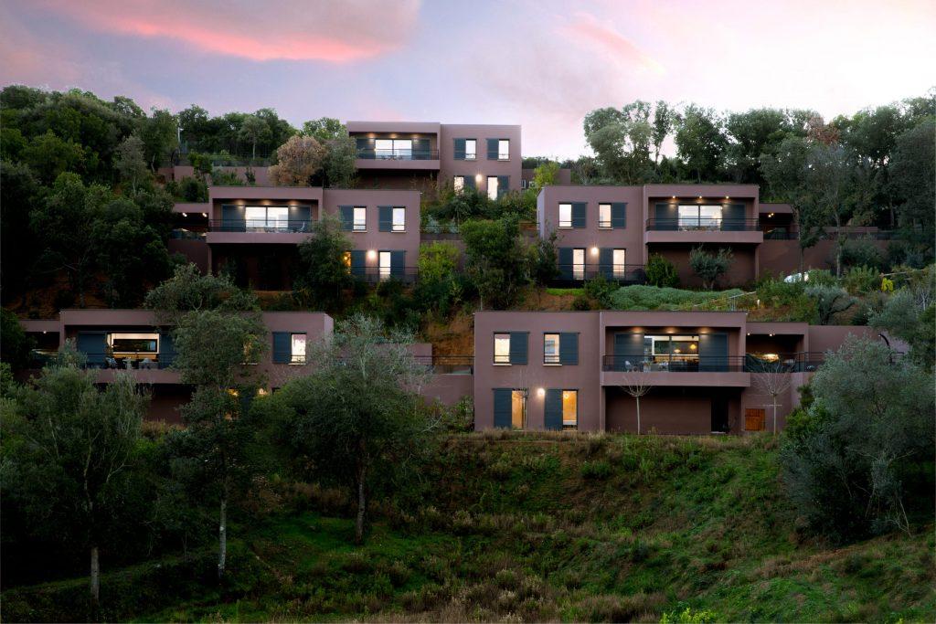 Domaine Olmeta location de villas corse luxe extérieur jardin