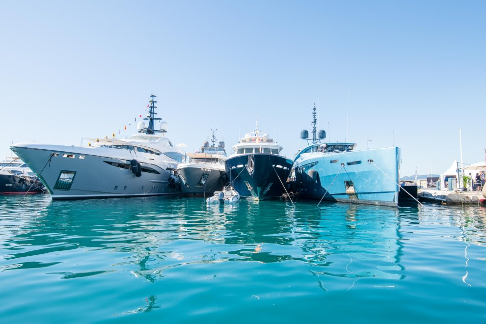 Yachting festival cannes yacht luxe