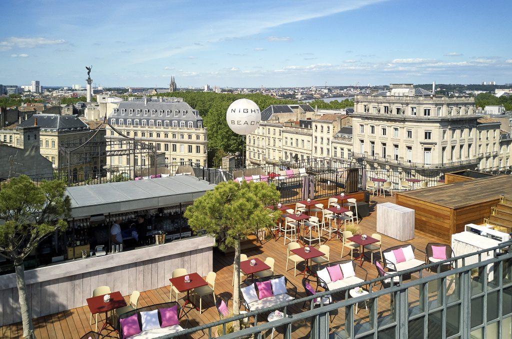 Rooftop Intercontinental de Bordeaux luxe hôtel vue soirée ville