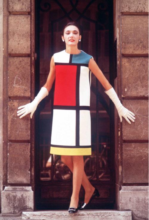 Collaboration Yves Saint Laurent x Mondrian Robe de luxe couleurs - Minute Luxe Magazine