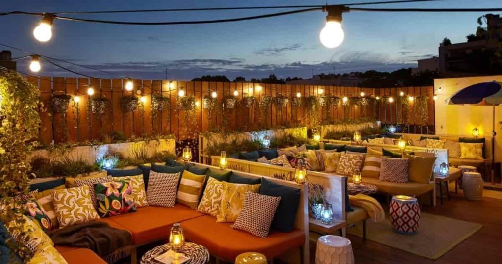 Bar Rooftop Mama Shelter - Minute Luxe Magazine
