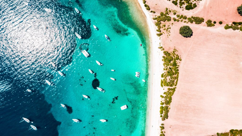 Bax Yachting Grèce Croisières luxe îles bleues drone