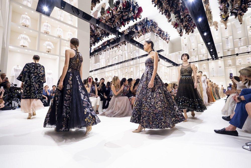 dior défilé histoire Fashion Week minute luxe magazinex