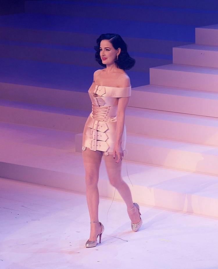 Jean Paul Gaultier fashion week défilé mode minute luxe magazine