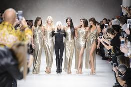 Versace fashion week défilé minute luxe magazine
