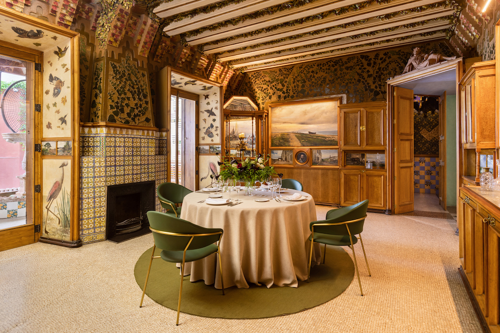 casa Vincent airbnb gaudi restaurant