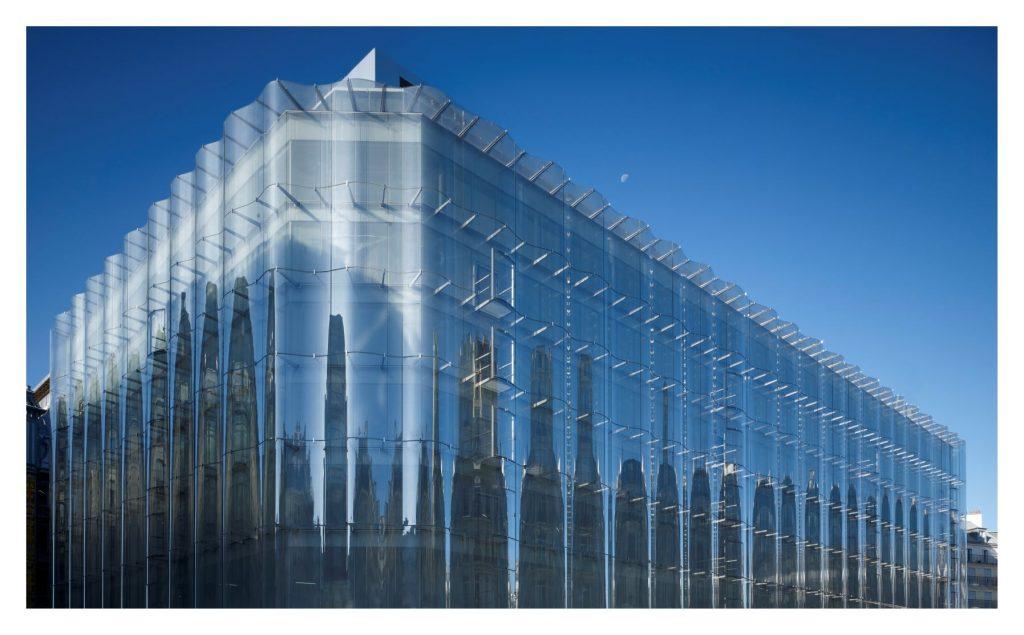 La façade en verre rue de Rivoli de la Samaritaine