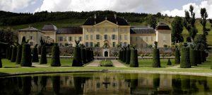 Oenotourisme : Le Château de La Chaize ouvre ses portes au public Minute Luxe Magazine